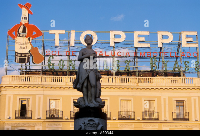 Pepe stock photos pepe stock images alamy for Tio pepe madrid puerta del sol