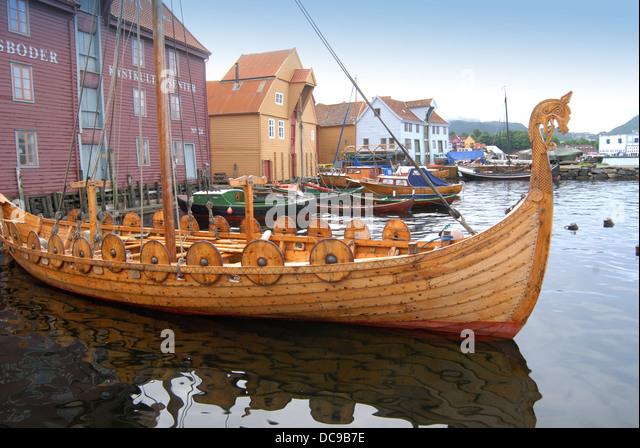 Viking Longboat Stock Photos & Viking Longboat Stock Images - Alamy