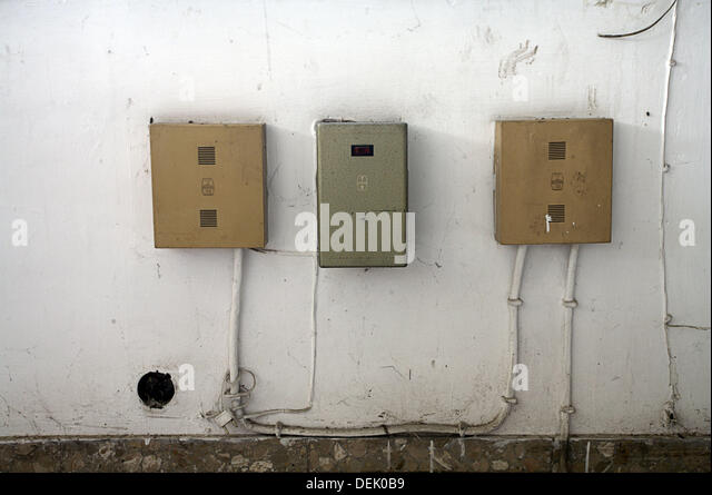 old fuse boxes stock photos old fuse boxes stock images alamy old boxes cables stock image