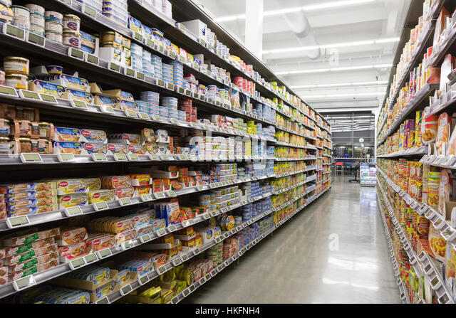 snack food aisle stock photos snack food aisle stock images alamy. Black Bedroom Furniture Sets. Home Design Ideas