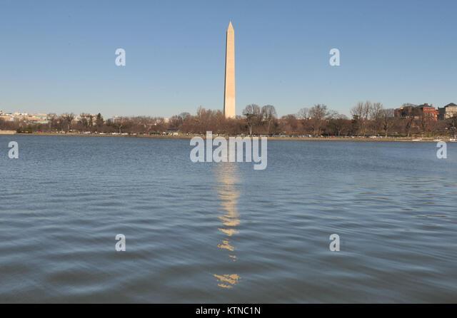 U S Navy Monument Stock Photos Amp U S Navy Monument Stock