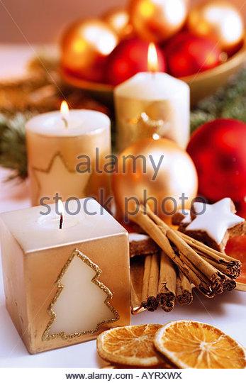 Weihnachtliche Tischdekoration aniseed balls stock photos aniseed balls stock images alamy