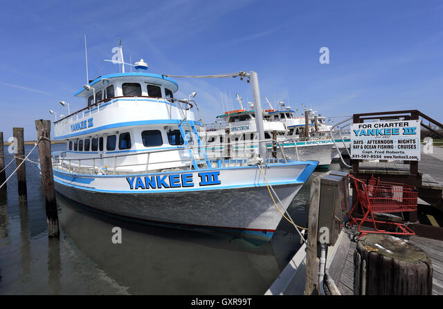 Yankee pier stock photos yankee pier stock images alamy for Fishing boats long island
