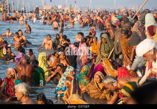 Kumbh mela bathing women images - drunkest photo every 5 ...