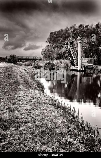 hdr old bridge and - photo #31