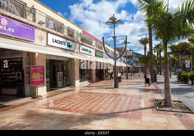 Island Walk Shopping Center Restaurants
