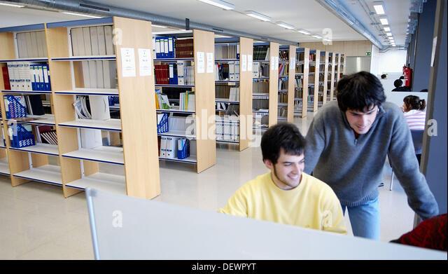 Unibertsitatea stock photos unibertsitatea stock images for Universidad cocina pais vasco