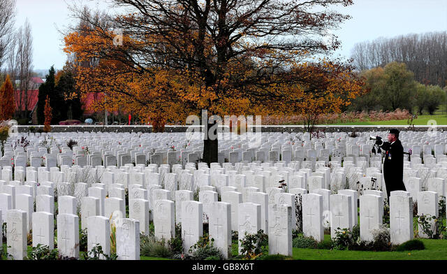 Uncle albert stock photos uncle albert stock images alamy for Domon remembrance