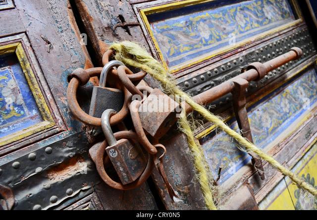 Ornate padlocked door in a palace in Fes Morocco - Stock Image & Door Padlocked Stock Photos \u0026 Door Padlocked Stock Images - Alamy Pezcame.Com