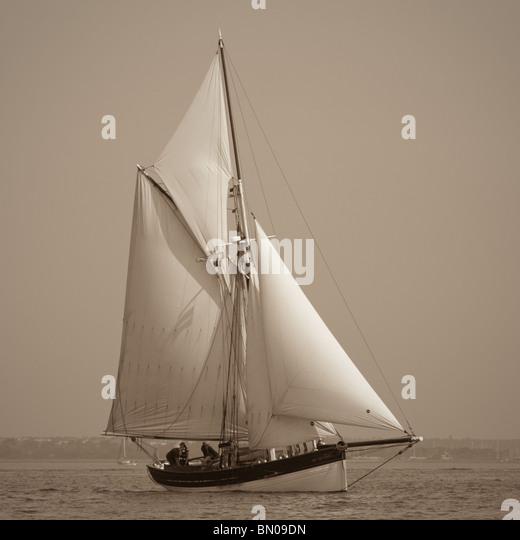 Gaff stock photos gaff stock images alamy for 68 garden design gaff rigged schooner