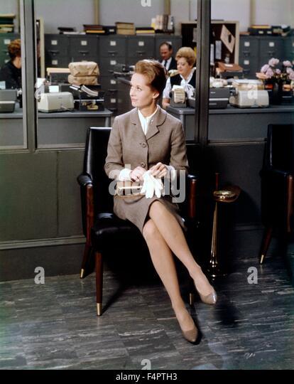 File:Alfred Hitchcock's Marnie Trailer - Tippi Hedren (1).png ...