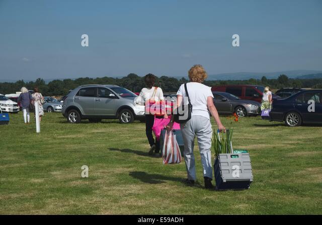Hard Mats For Cars >> Grass Parking Stock Photos & Grass Parking Stock Images - Alamy