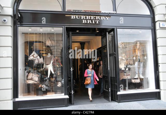 Burberry Brit Store A Milano : Burberry london stock photos