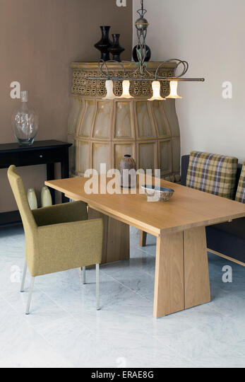 Diningroom stock photos diningroom stock images alamy for Traditional dining room fireplace