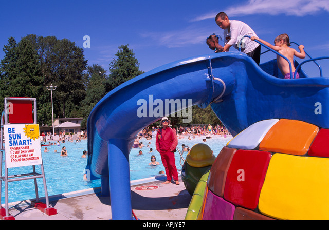 Children 39 S Pool With Slide Stock Photos Children 39 S Pool With Slide Stock Images Alamy