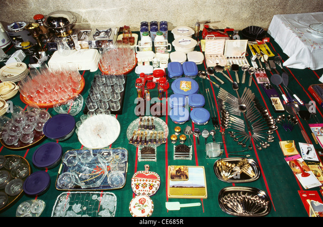 Display of wedding gifts to bride dowry by her parents in Nattukottai ...