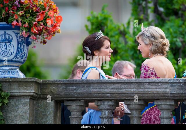 Prince carl of denmark stock photos prince carl of for Queens wedding balcony