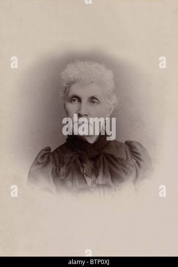 pioneer woman 1800s hair. a vintage photograph from the 1800\u0027s depicting elderly woman with gray hair dressed in period pioneer 1800s