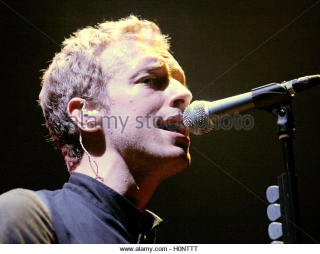 Frontman Coldplay Stock Photos & Frontman Coldplay Stock Images - Alamy
