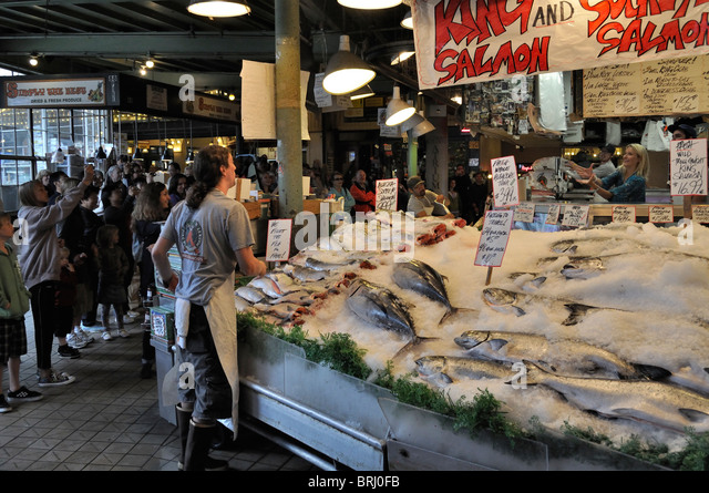 Pike place fish market stock photos pike place fish for Fish market seattle