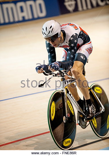 Taylor phinney of usa during the men s inidual persuit at the uci