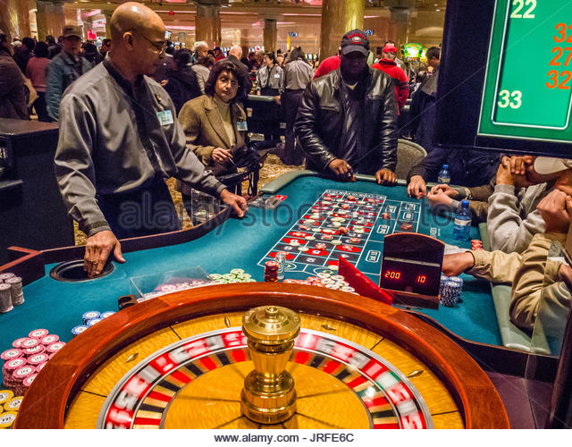 Foxwoods connecticut gambling age casino royal astin martin