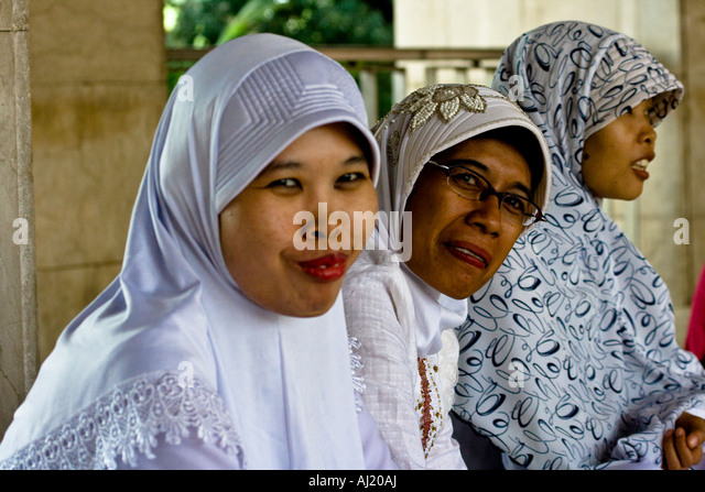 sumatra single muslim girls Dating indonesian girls may not be for everyone single with no kids, when in fact she is she says she is muslim and she lives with a hindu indian.