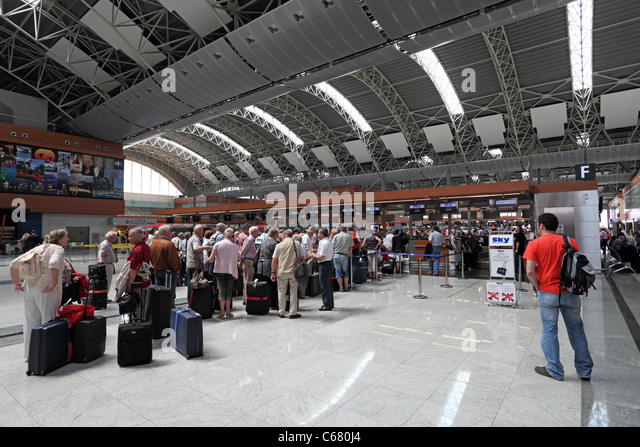 how to get from sabiha gokcen airport to istanbul