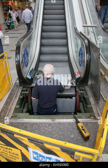 Escalator Repair Stock Photos Amp Escalator Repair Stock