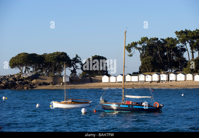Ile de re france beach bois plage stock photos ile de re for Chaise de plage