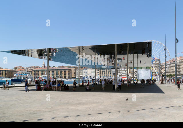 Stainless steel mirror in Marseilleu0027s old port - Stock Image & Stainless Steel Canopy Stock Photos u0026 Stainless Steel Canopy Stock ...