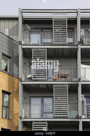 Block of flats balcony london stock photos block of for Balcony louvres