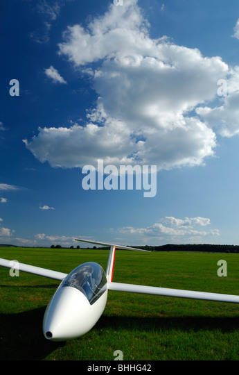 glider airfield stock photos glider airfield stock images alamy. Black Bedroom Furniture Sets. Home Design Ideas