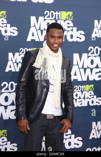 Trey songz where stock photos trey songz where stock images alamy singer trey songz arrives at the mtv movie awards at universal studios gibson amphitheatre in universal gumiabroncs Gallery