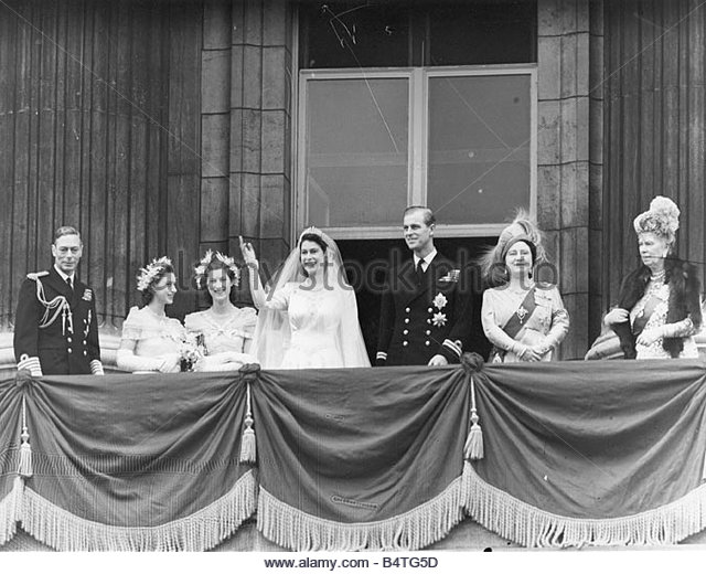 Princess elizabeth 1947 stock photos princess elizabeth for Queens wedding balcony