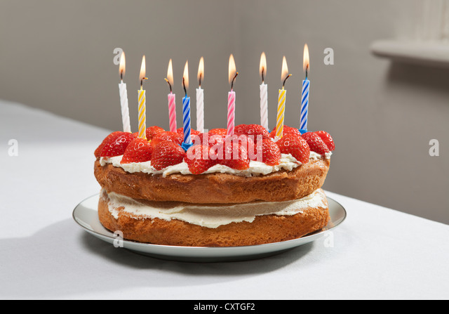 Pictures Of Birthday Cakes With Candles Lit : Birthday Candle Stock Photos & Birthday Candle Stock ...