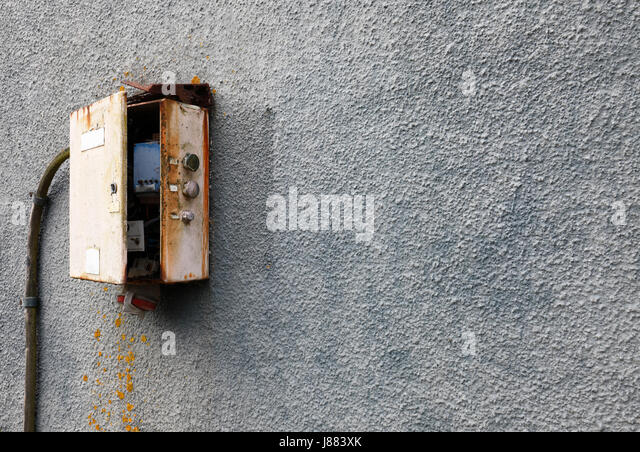 old fashioned electrical fuse box or switching type installation j883xk electrics fuse box stock photos & electrics fuse box stock images home fuse box location at reclaimingppi.co