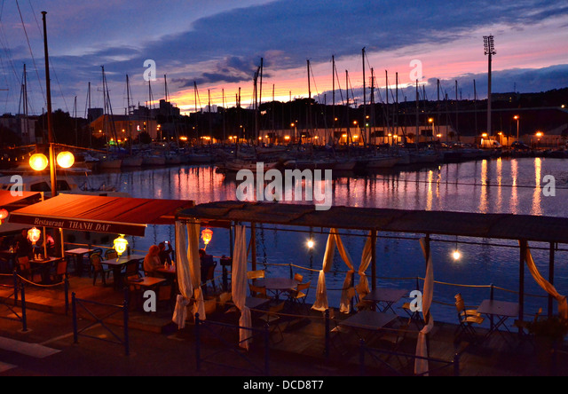 Berre stock photos berre stock images alamy for Departement bouche du rhone