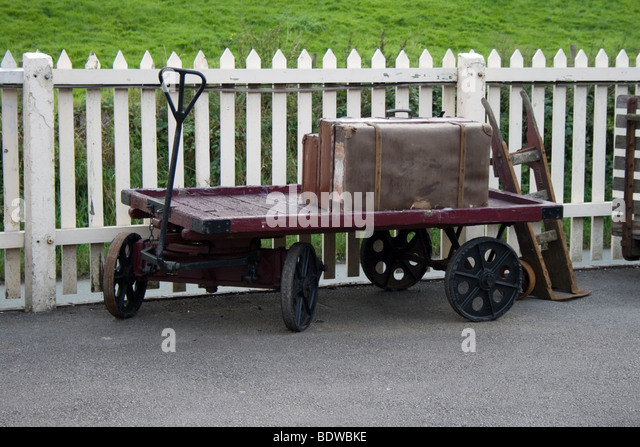 Old Luggage Cart Stock Photos & Old Luggage Cart Stock Images - Alamy