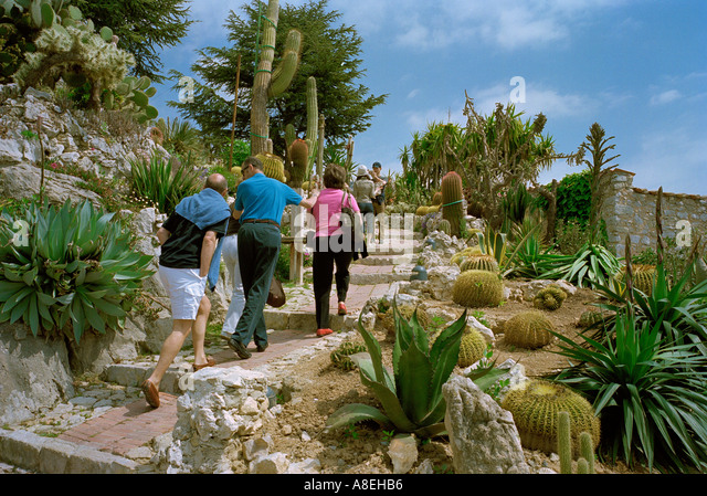 Monaco exotic garden stock photos monaco exotic garden stock images alamy for Eze jardin exotique statues