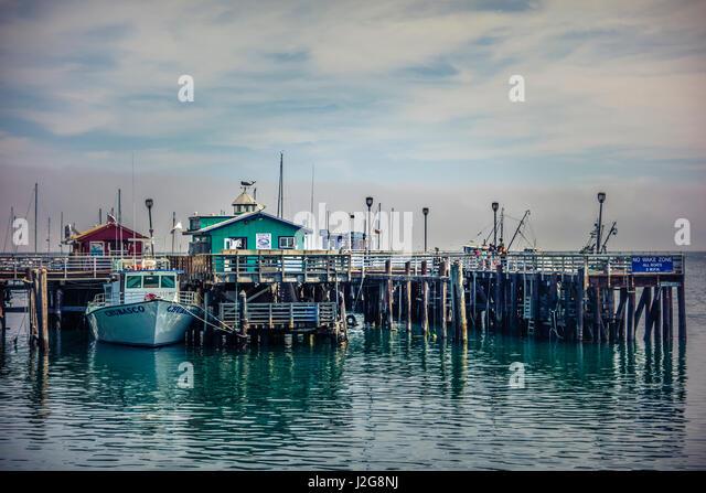 What monterey bay wharf restaurants