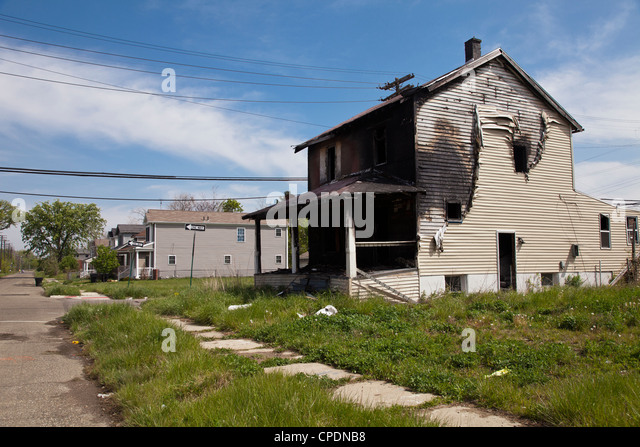 Detroit abandoned houses stock photos detroit abandoned for 3 4 houses in michigan