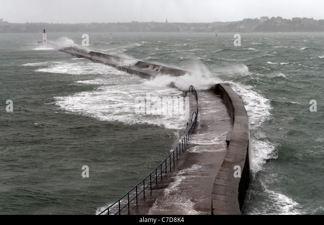 Storm in St Malo, powerful waves against the pier (Le Môle des Noires ...