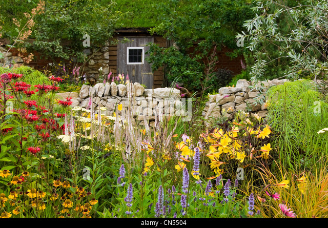 Irish cottage garden stock photos irish cottage garden for Country garden designs ireland