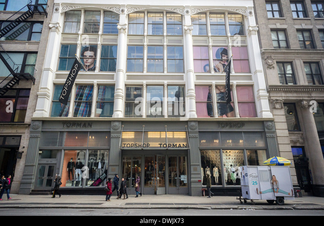 Whether you need a bridesmaid dress, or you need a new pair of jeans for your weekends, we have it at our Broadway (Soho) Express in New York. Everyone Location: Broadway, New York,