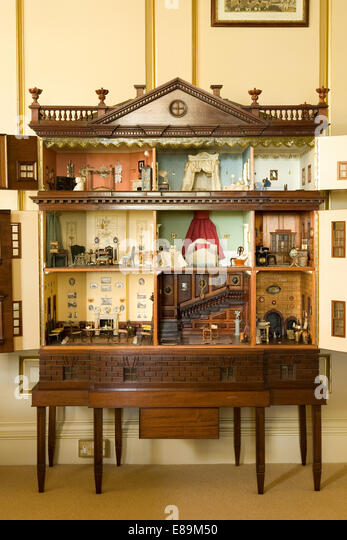 Doll 39 S House Antique Stock Photos Doll 39 S House Antique Stock Im