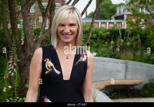 Chelsea Flowe Show, London, England, 22nd May 2017. Jo Wiley proudly stands by her BBC Radio 2 Garden at the prestigious - Stock Image