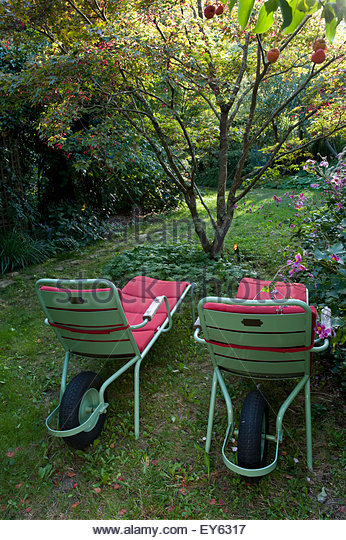 Insolite stock photos insolite stock images alamy - Le prince jardinier ...