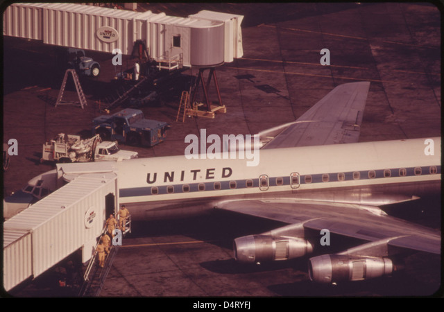 Airlines 1970s stock photos airlines 1970s stock images for 16th floor paul kelly