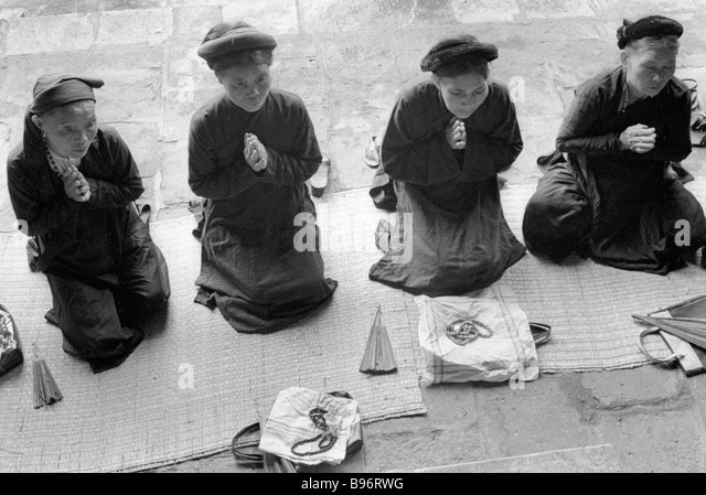 """temple hills buddhist single women Women while they were shopping at stores in canoga park and woodland hills """"while none of the women was  woman in buddhist temple."""